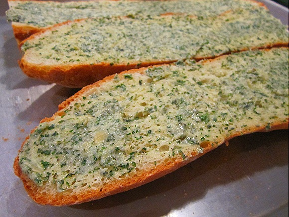 Sliced French Bread with Garlic-Herb Butter