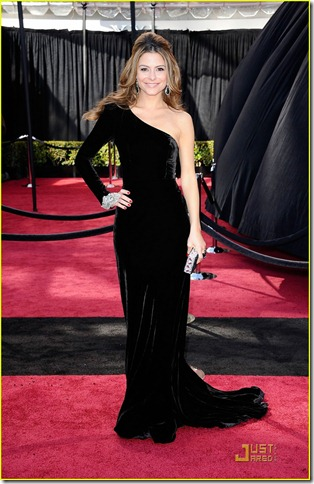 maria-menounos-oscars-2011-red-carpet-07 johanna johnson
