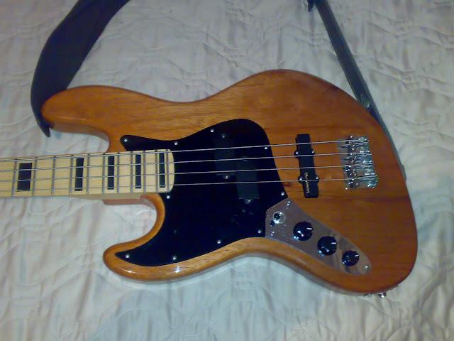 Jazz Bass (LH) feito Pelo Luthier Cavalheiro 20112010313