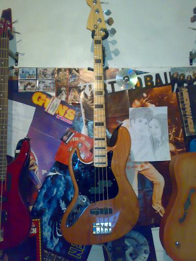 Jazz Bass (LH) feito Pelo Luthier Cavalheiro 20112010314