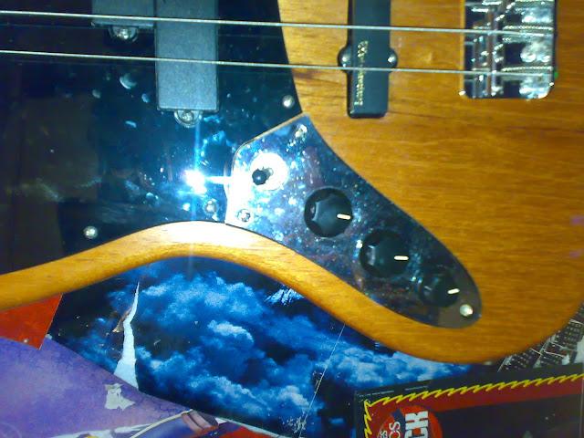 Jazz Bass (LH) feito Pelo Luthier Cavalheiro 20112010315