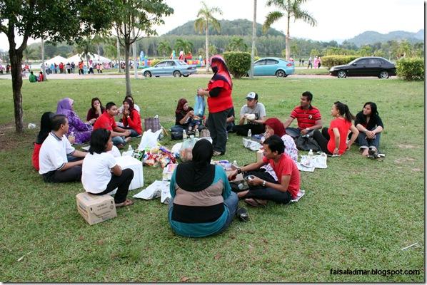 gathering (15)