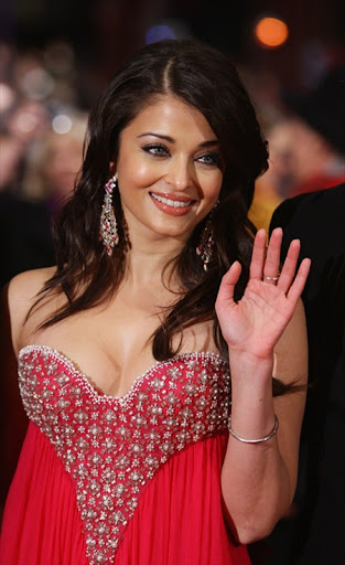 Aishwarya Rai Beautiful Photos