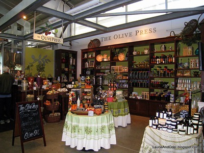 Inside the Oxbow Market
