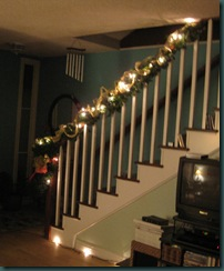 120809 staircase garland