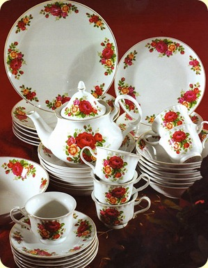 Red Rose Teaset