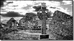 celtic-cross-metallic-grave