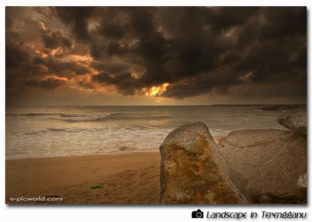 pantai teluk ketapang picture