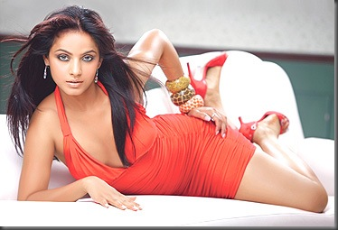 2Neetu Chandra sexy bollywood actress pictures220310