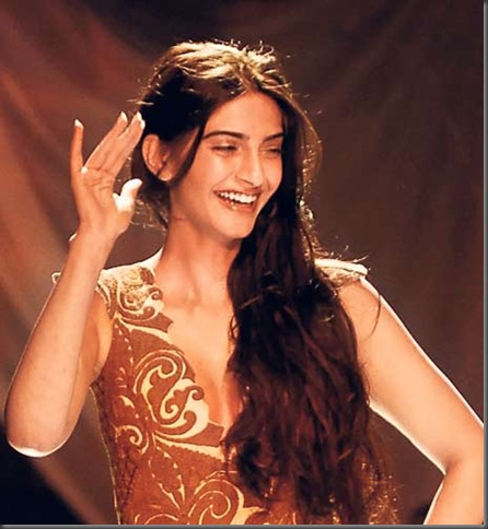 3 sonam kapoor sexy bollywood actress pictures 140410