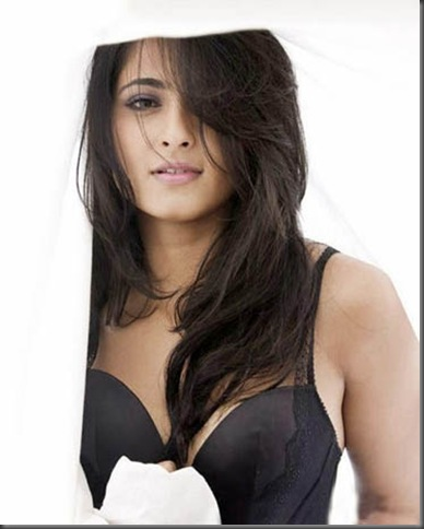 1Anushka Shetty sexy tollywood actress pictures 250510