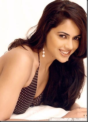 Sameera_Reddy