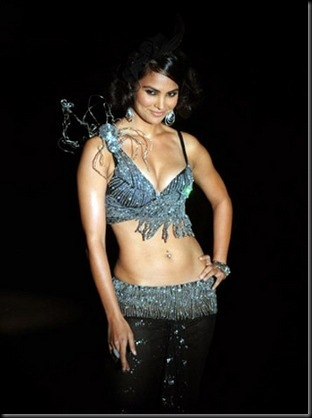 Lara Dutta Sizzling hot on the ramp in a bikini Top3