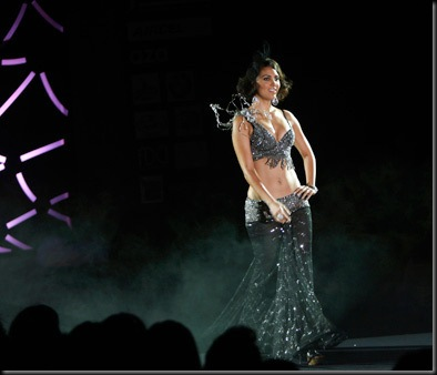 Lara Dutta Sizzling hot on the ramp in a bikini Top4