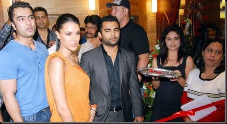 Neha Dhupia & Urvashi Sharma launch One Fitness and Spa3