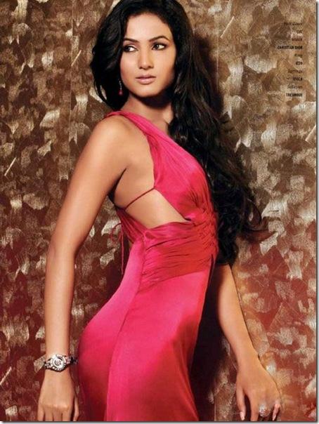 Sonal-Chauhan-Hot-For-Man-Magazine-Shoot-8