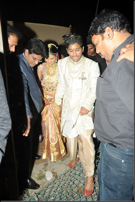 Allu Arjun Sneha Reddy wedding stills1