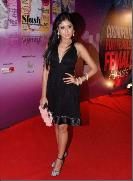 Celebs-at-Cosmopolitan-Awards-Red-Carpet-6