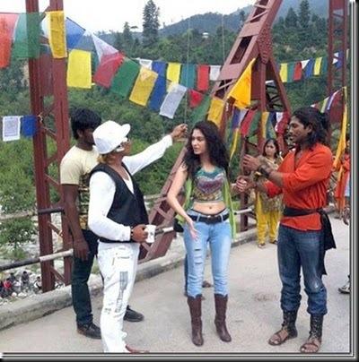 allu-arjun-tamanna-at-badrinath-movie-shooting-spot