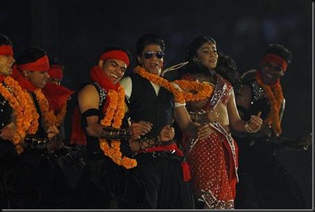 Shriya and Bollywood star Shahrukh set the stage on fire1