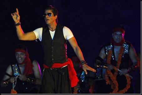 Shriya and Bollywood star Shahrukh set the stage on fire3