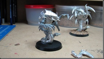 tyranid ravener (no right arms) (3)
