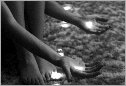 feet,hands,light-a71b9e3a936ed6786983526e6775e80c_h