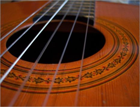 32-spanish-guitar2 - copia