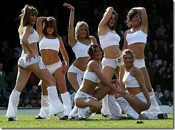 small_southend_united_cheerleaders_12