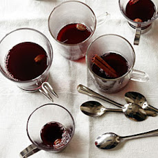 Mulled Pomegranate and Red Wine Punch