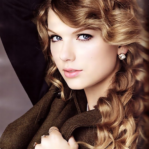 taylor swift 2011 photos. Taylor Swift January 2011. niα