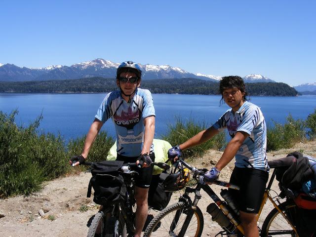 Por la Patagonia sobre dos ruedas