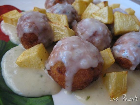 albóndigas de merluza en salsa de vino blanco (4)