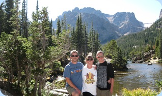 Rocky Mountain National Park Mark, Dolly & Daniel Jelinske at The Loch