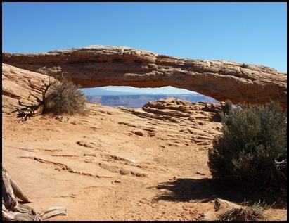 Canyonlands Nat'l Park Mesa Arch 3
