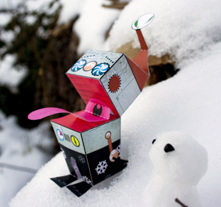 Robo Mistletoe Paper Toy