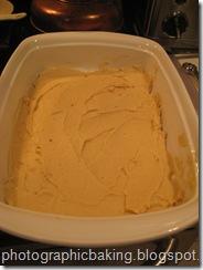 Caramel spread in the pan