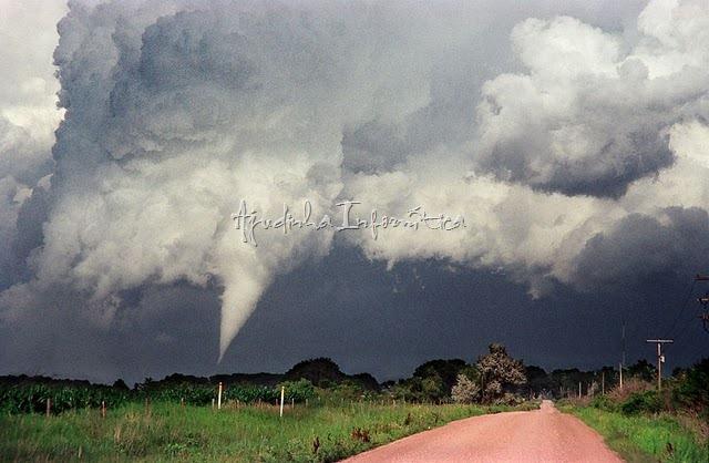 tornados- ajudinha-informatica 13