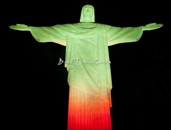 Cristo Redentor muda de cor, em vermelho e amarelo o monumento tem como objetivo alertar a população