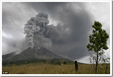 mount sinabung eruption 2