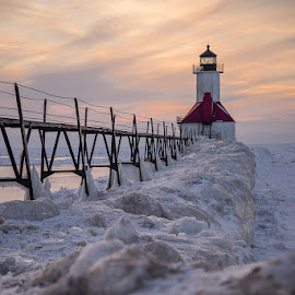St Joseph lighthouse by Bhumsoo Kim - Landscapes Weather