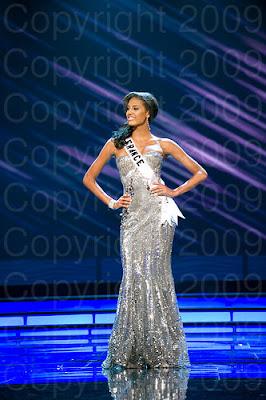 franca Miss Universo 2009: Inspirações para vestidos de madrinha e noiva