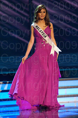 malasia1 Miss Universo 2009: Inspirações para vestidos de madrinha e noiva