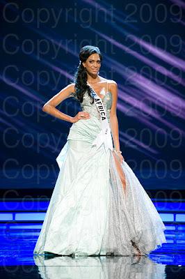 africa do sul1 Miss Universo 2009: Inspirações para vestidos de madrinha e noiva