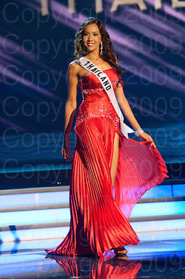 tailandia1 Miss Universo 2009: Inspirações para vestidos de madrinha e noiva