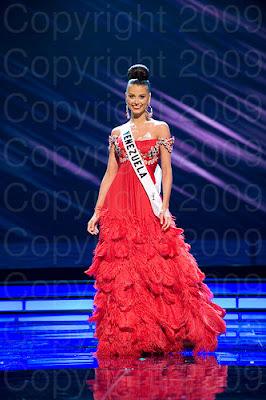 venezuela1 Miss Universo 2009: Inspirações para vestidos de madrinha e noiva