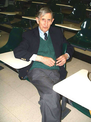 Picture of Freeman Dyson taken by Lubos Motl at Harvard