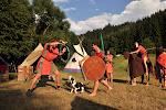 Staroušovská přehlídka s bojem a koněm.