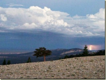 03 Lightning from Marble View FS219 Kaibab NF AZ (434x326)
