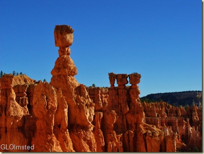 05 Thors Hammer & hoodoos along Navajo Loop trail Bryce Canyon NP UT (1024x768)